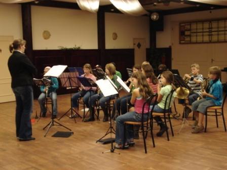 Leerlingen in actie in het beginnersorkest